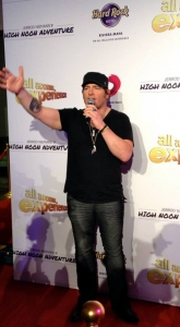 Jerrod Niemann walking the red carpet, feel free to keep standing there, we enjoy the view