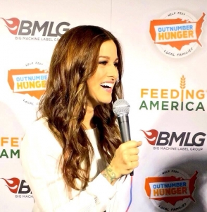 The oh so lovely Cassadee Pope in Las Vegas supporting Outnumber Hunger live event.