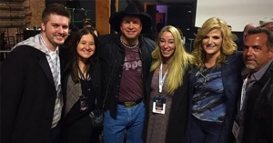 The BIGGEST Big Time picture ever??? Garth Brooks and Trisha Yearwood!