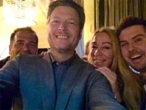 Selfie with Blake Shelton!